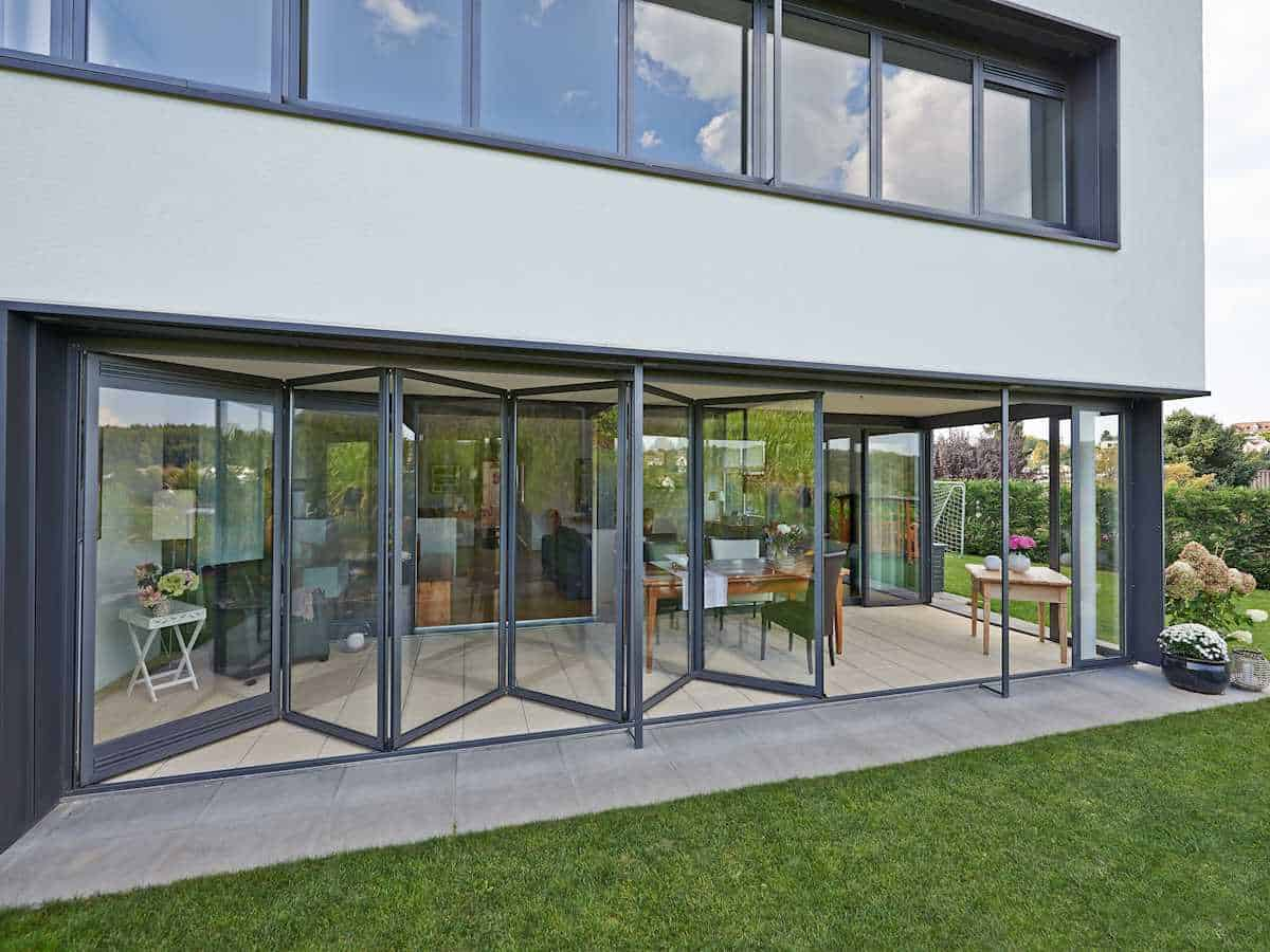Puertas plegables solarlux sistemas de aluminio - Puerta balconera aluminio ...
